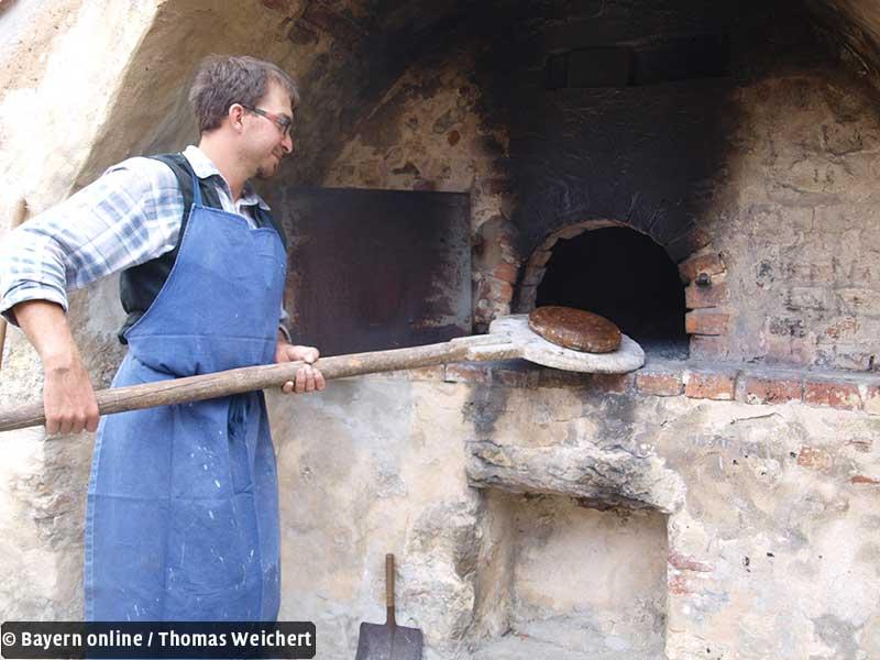 Brot backen wie früher auf dem lande